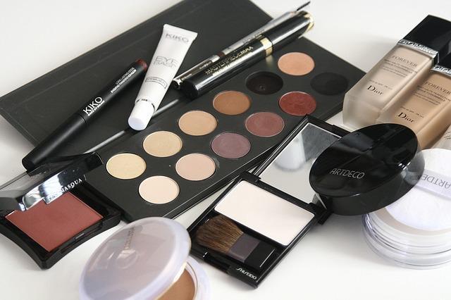 Shoppa skönhetsprodukter online